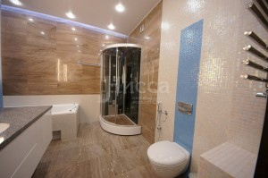 Ремонт ванной комнаты трехкомнатной квартиры на Российской 21
