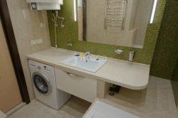 Встроенная мебель для ванны.