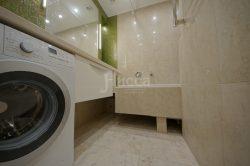 Мозаика и керамогранит в отделке ванной.