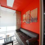 Фотопанно новосибирского Бугринского моста над диваном