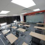Диодные светильники на потолке с возможностью плавной регулировки
